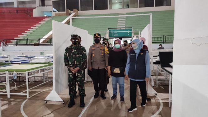 Forkopimda Jatim Cek Kesiapan RS Darurat Indoor GBT Surabaya