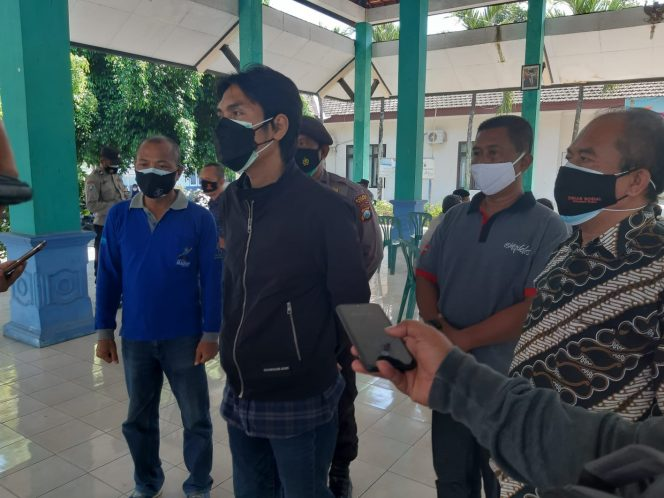 Tinjau Penyaluran Bansos Tunai, Bupati Madiun Ajak Masyarakat Selalu Pakai Masker