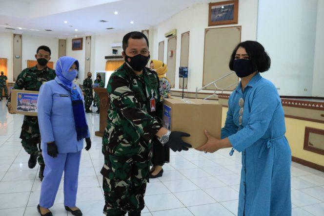 Hari Bakti TNI AU, Lanud Iswahjudi Bagi-Bagi Sembako