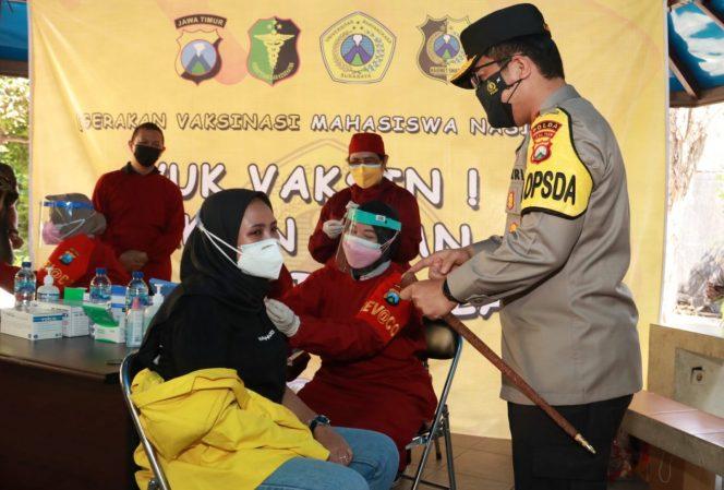 Kapolda Jatim Pantau Vaksinasi di Kampus Ubhara Surabaya