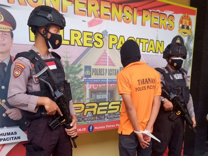Tidak Lebih Dari 24 Jam Pelaku Pembunuhan Gadis Cantik Asal Nawangan Berhasil Diamankan Polres Pacitan