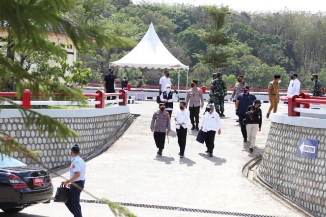 Didampingi Forkopimda Jatim, Presiden Jokowi Resmikan Bendungan Bendo Ponorogo