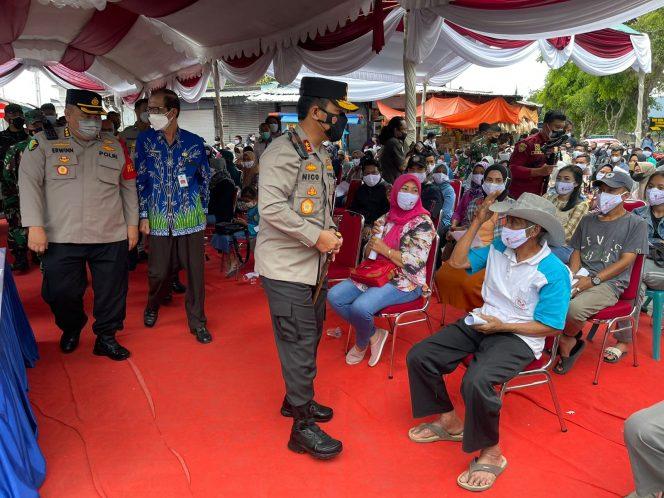 Di Telaga Sarangan, Kapolda Jatim Cek Vaksinasi Pelaku Usaha Wisata